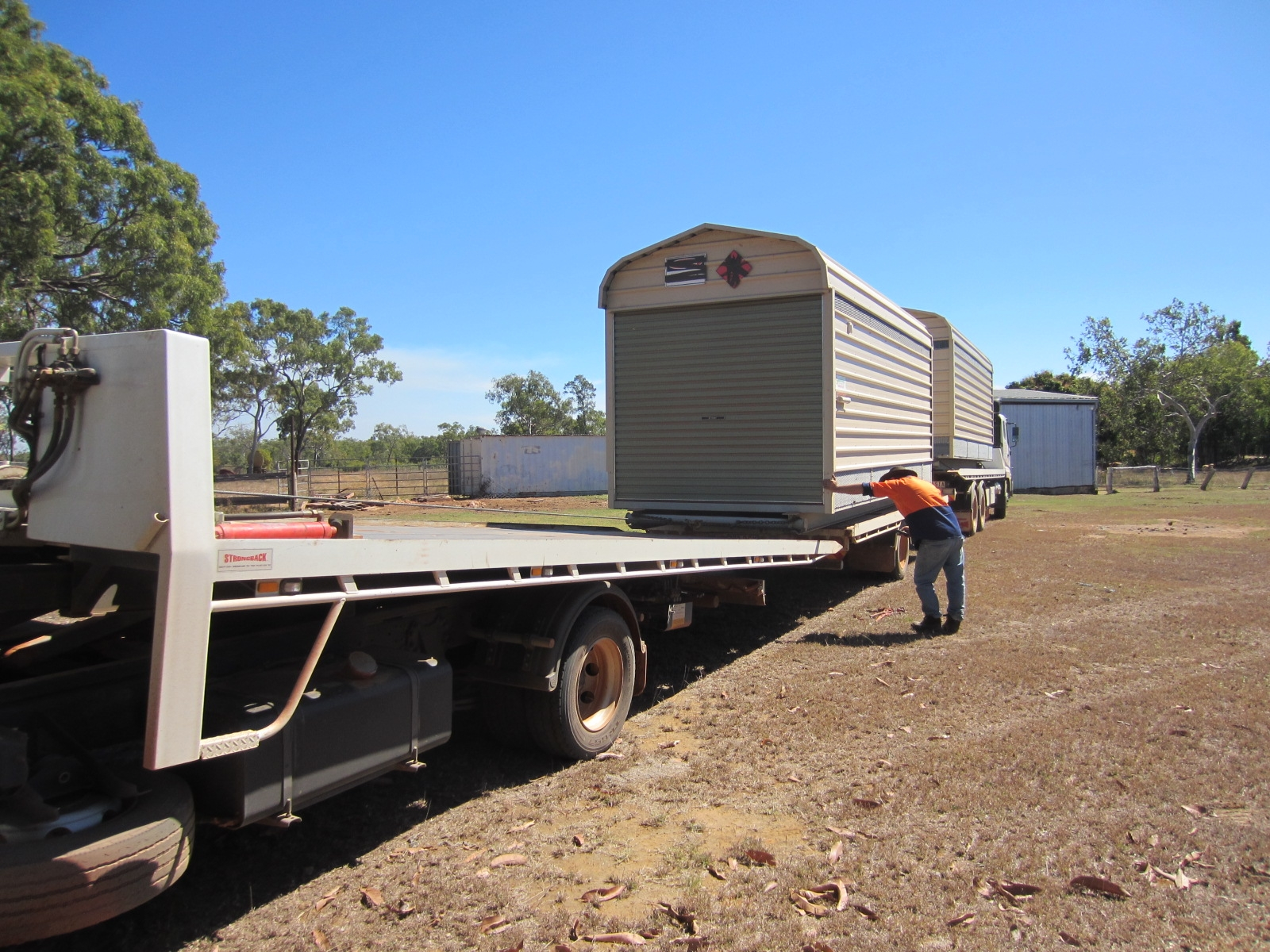 Specialised portable buildings (3)